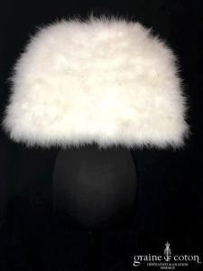 Cymbeline - Étole / cape en duvet de cygne ivoire clair (plumes marabout)