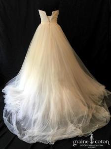 Pronovias - Barbate (coeur tulle fluide drapé plumes bustier taille haute princesse)