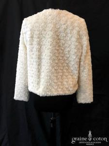 H&M - Boléro / manteau en fausse fourrure façon petites roses ivoire