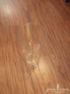 Vase haut droit en verre transparent