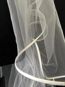 Suzanne Ermann - Voile long de 2,25 mètres à volutes blanc cassé
