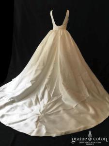 Pronovias - Plaza (mikado bretelles drapé dos boutonné A-line décolleté-V dos-nu taille haute poches)