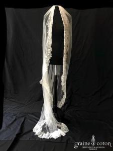 Bianco Evento - Voile long de 2 mètres soft tulle ivoire bordé de fine dentelle espagnole