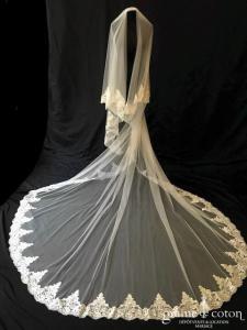 Voile en tulle souple ivoire long de 3 mètres, bordé de dentelle