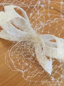 Serre tête avec voilette et noeud en sisal ivoire