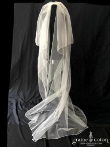 Rosa Clara - Voile long de 2, 50 mètres en tulle ivoire surjeté
