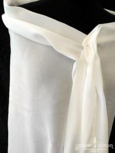 Création - Étole en soie ivoire clair