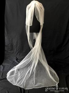 Rosa Clara - Voile long de 2, 50 mètres en tulle ivoire bordé de fines perles