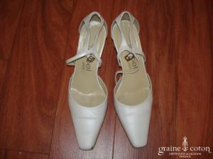 Isabel - Escarpins (chaussures) en cuir blanc nacré à lanières et bout carré