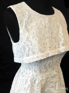Asos - Robe mi longue en dentelle ivoire (courte et longue bretelles crop top dos boutonné)