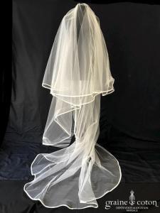 Pronovias - Voile long de 3 mètres en tulle ivoire clair bordé d'un biais de satin
