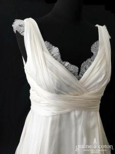 Jesus Peiro - Modèle 3041 (bretelles coeur drapé mousseline soie dentelle bohème fluide dos boutonné empire)