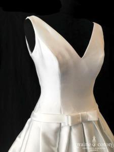 Avenue Diagonale - Graciana (mikado blanche bretelles decollete-V dos boutonné taille basse poches)