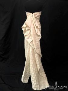 Lanvin collection Blanche - Création drapée en laine et lin ivoire façon plumetis (bustier droite sirène)