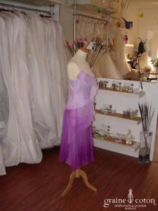 Spenser Jeremy - Robe courte mauve en soie (non stocké en boutique, essayage sur demande)