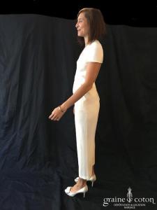Delphine Manivet - Combinaison en crêpe ivoire clair (manches decollete-V pantalon)