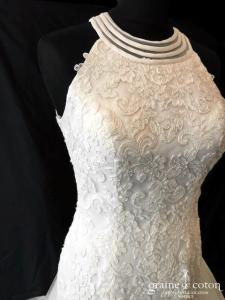 Elianna Moore - Robe sirène en dentelle ivoire encolure américaine (dos-nu bretelles tulle noeud)