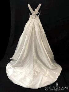 Les mariées d'Elodie - Orchidée (mikado bretelles taille basse encolure bateau dos-nu princesse poches boule)