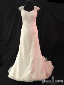 White One - Janina (dentelle coeur bretelles dos boutonné sirène fourreau taille basse dos-nu)