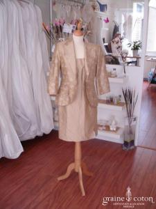 Exaltation - Tailleur robe en soie sauvage caramel (non stocké en boutique, essayage sur demande)
