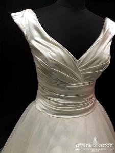 White One - Joli (bretelles drapé satin tulle fluide décolleté-V)