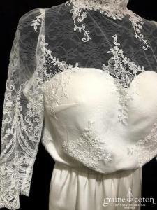 Création - Combinaison de mariée en crêpe et dentelle (dos nu manches)