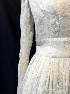 Delphine Manivet - Robe mi longue en dentelle ivoire (courte bretelles manches décoleté-V bohème champêtre)