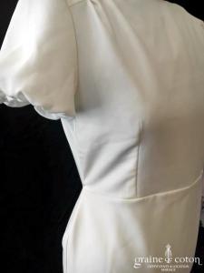 Delphine Manivet - Robe une pièce en crêpe de soie ivoire avec manches ballon (sirène fourreau dos-nu)