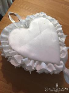 Création - Coussin d'alliances coeur avec petite boîte transparente pour les alliances