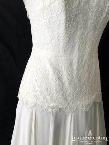 Delphine Manivet - Robe bustier en dentelle et mousseline de soie ivoire (fluide taille basse dos boutonné bohème)