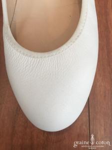 Karlos -  Ballerines (chaussures) en cuir ivoire clair