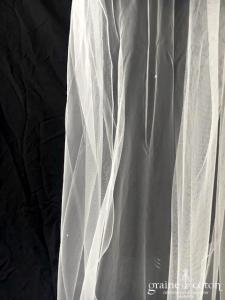 Bianco Evento - Voile simple long de 2 mètres en soft tulle ivoire surjeté avec strass Swarovski (S222 sans rabat)