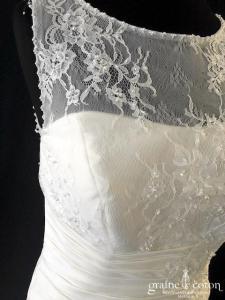 Brinkman - Robe en taffetas et dentelle (bretelles dos boutonné sirène taille basse drapé)