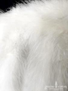 Étole / cape en duvet ivoire clair (plumes marabout fourrure)