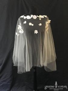 Cape / étole en tulle ivoire avec guipure de dentelle fleurs