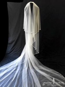 Voile long de 3 mètres en tulle souple ivoire bordé de perles