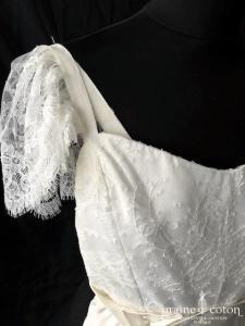 Création - Robe en crêpe de soie et dentelle ivoire (bretelles empire fluide bohème)