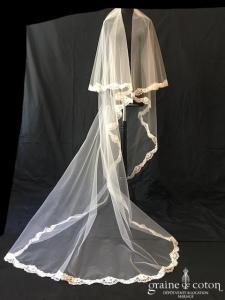 Gilles Zimmer - Voile long de 2,20 mètres en tulle ivoire bordé de fine dentelle