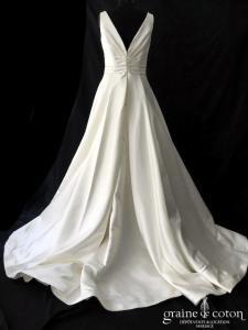 La Sposa pour Pronovias - Ralea/Plaza  (satin bretelles drapé dos boutonné A-line princesse décolleté-V dos-nu taille haute poches dentelle dos boutonné)