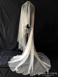 Rosa Clara - Voile long de 3 mètres en tulle ivoire fluide surjeté