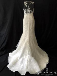 White One pour Pronovias - Farisa (sirène dentelle dos-nu bretelles fluide coeur decollete-V)