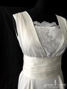 Elise Hameau - Création en crêpe de soie ivoire (dentelle bretelles taille-haute bohème dos boutonné dos-nu fluide)