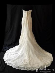 White One - Fara (bustier coeur dentelle laçage fourreau sirène)