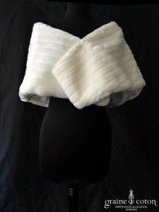 Bianco Evento - Boléro / étole /cape en fausse fourrure ivoire