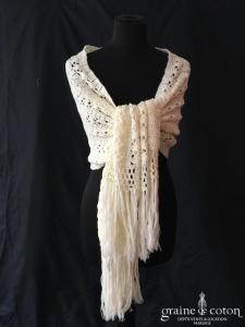 Création - Écharpe / étole / cape en laine ivoire