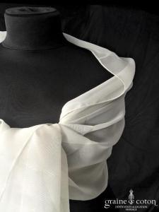 Création - Étole en mousseline fluide ivoire clair