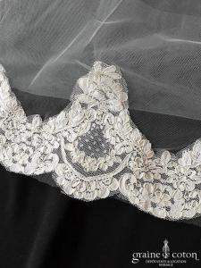 Allure Bridals - Voile long de 3 mètres en tulle ivoire bordé de dentelle de Calais
