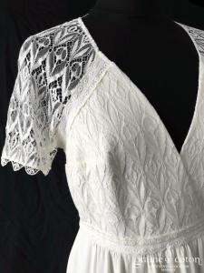 Lorafolk - Masha (bohème crêpe de soie dentelle dos boutonné dos-nu manches bretelles fluide droite taille-haute decolleté-V)