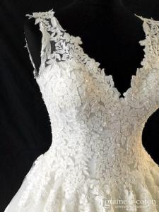 Two by Rosa Clara - Octubre (princesse tulle fluide dentelle bretelles taille-haute dos boutonné décolleté-V dos-nu)