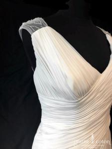 Pronovias - Lali (fluide drapé bretelles dos-nu dos boutonné mousseline bohème fourreau sirène)